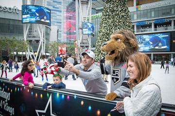 Holiday On Ice 2016 LA Kings Mascot takes a selfie with skaters