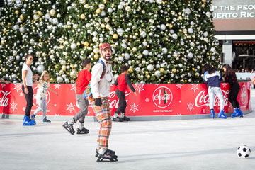 Holiday On Ice 2017 Silly Sally's Entertainment skater