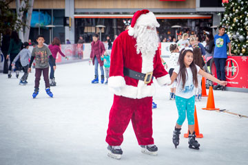 Holiday On Ice 2017 skater with Santa
